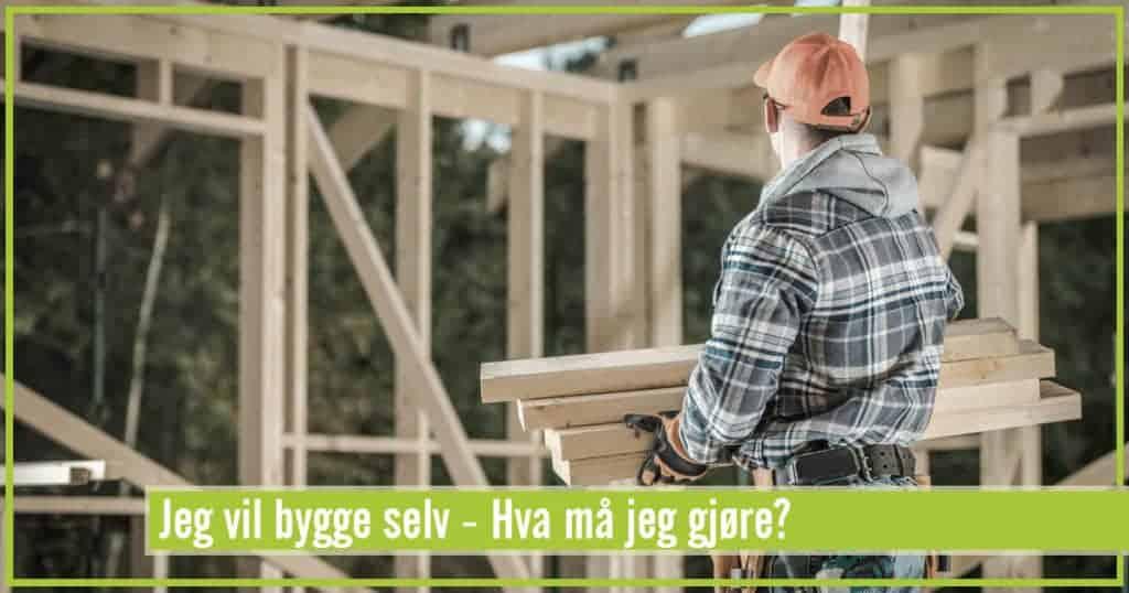 Mann som bygger hus
